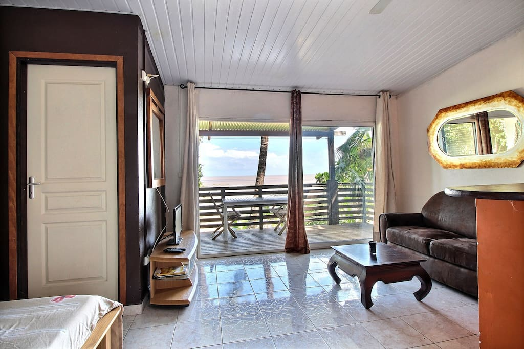 Séjour avec terrasse et vue mer