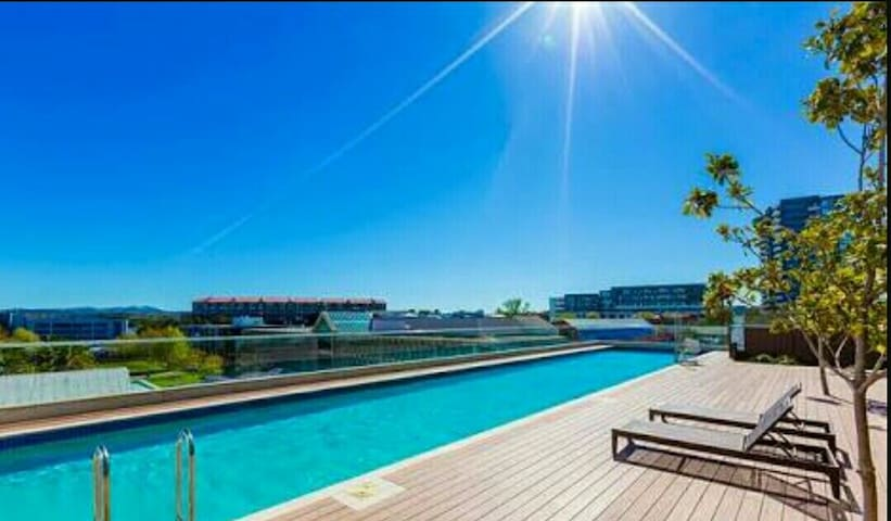 Lakeview & Luxurious Apartments B&B in Canberra ❤