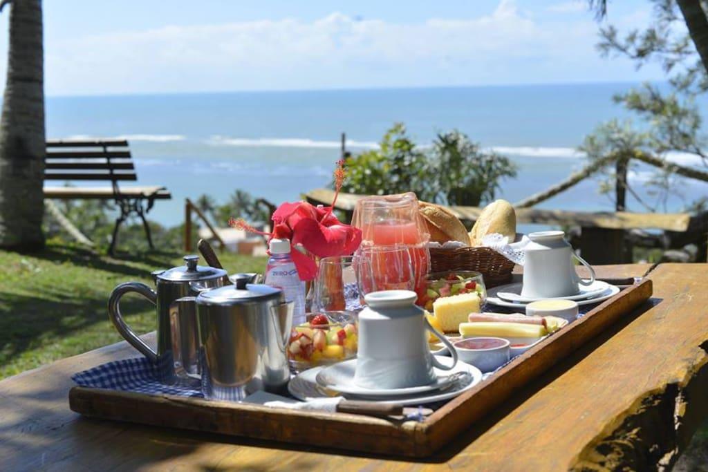 Café matinal com um belo visual