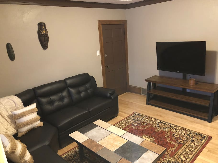 Newly Remodeled 2 Bedroom Apartment Milwaukee