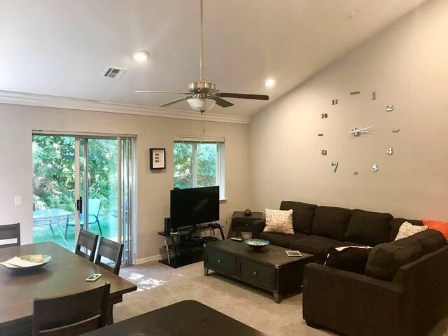 Comfortable& Modern house in Long Island