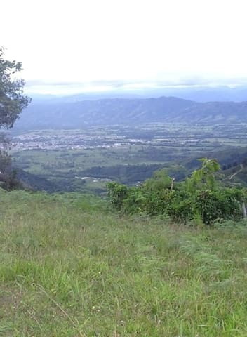 Casa campestre - Pitalito - Allotjament sostenible a la natura