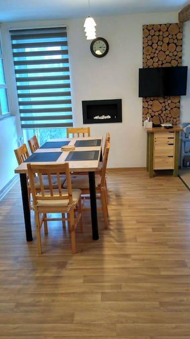 Jídelna a obývací kout
