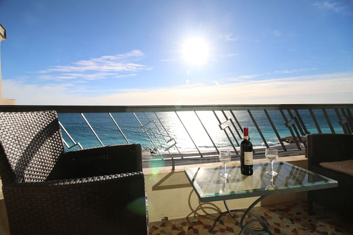 Nice Promenade des Anglais sea view