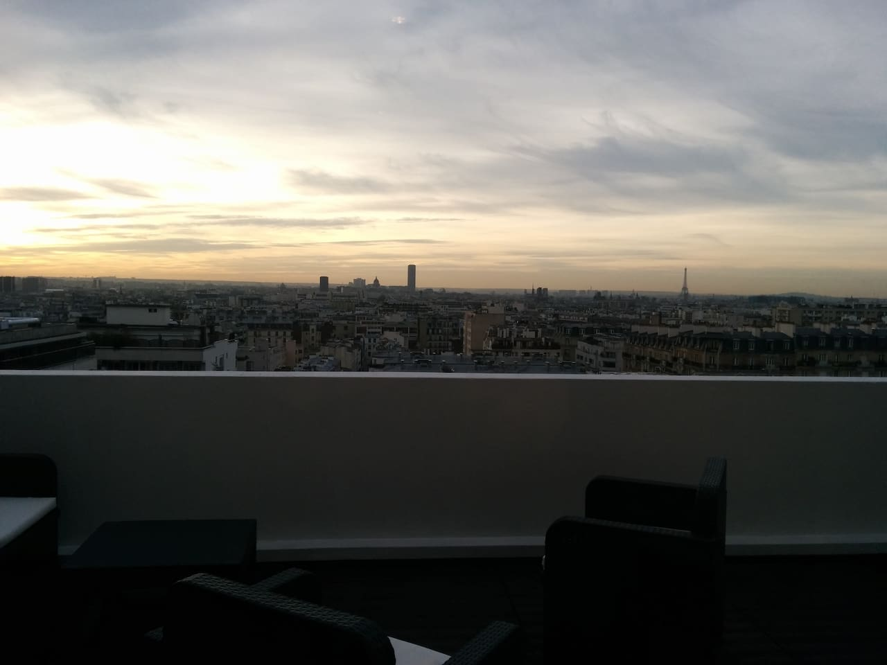 Huge balcony of 18 square meters with impressive view on Paris