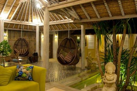 Villa Joshua . Villa  privée avec piscine !