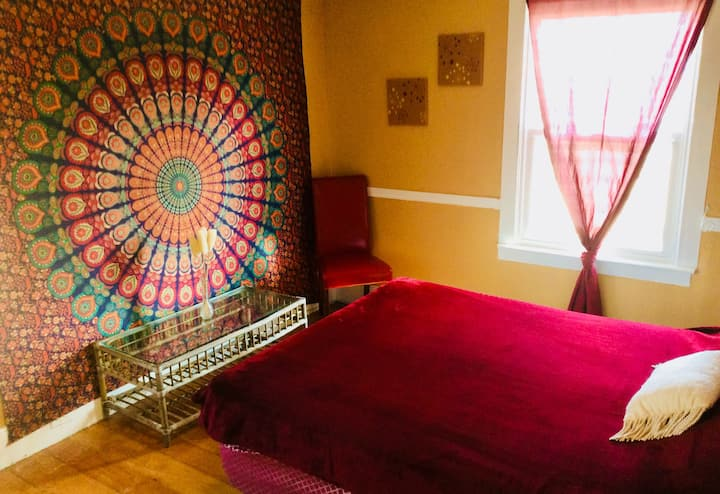 SUNRISE SPACIOUS ROOM in VintageFarmHouse 1/3