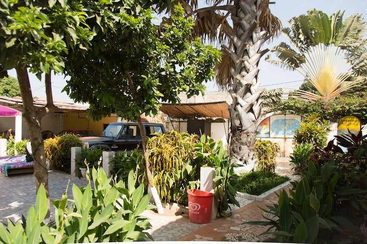 TEDUGAL Guest Houses/Ground Floor - Banjul - Byt
