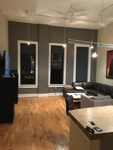 Modern Urban Downtown Apartment - Cincinnati - Appartement
