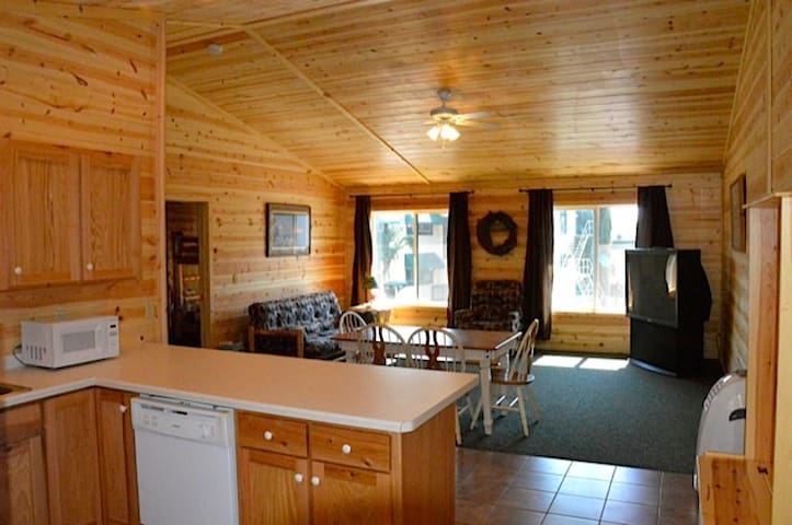 Relaxing Deerwood Loft Close to Mountain biking
