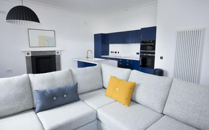 Sutherland (Deluxe 3-bedroom apartment)