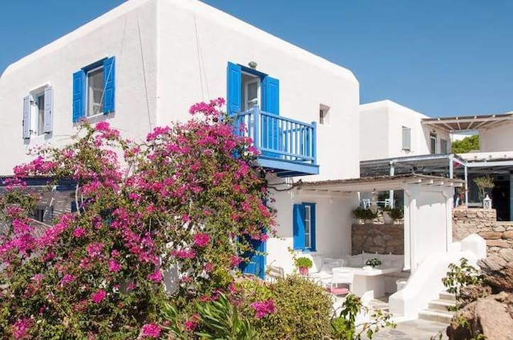 Cycladic House with beautiful terrace and pool - Mikonos