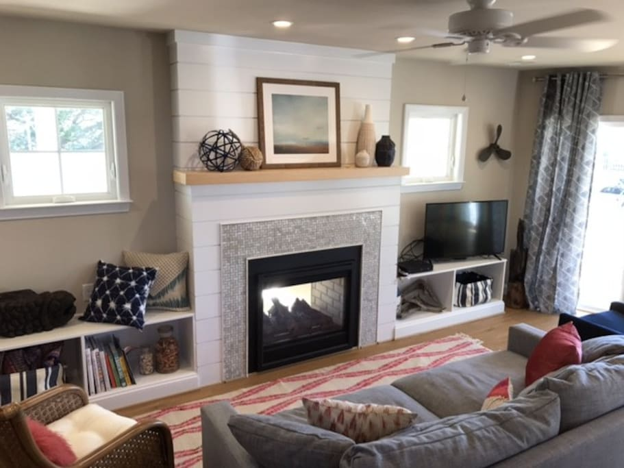 Living area showing 2 sided fireplace