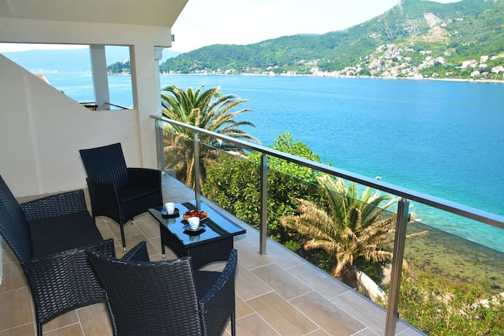 One-BedroomApartment with Balcony&SeaView(3Adults)