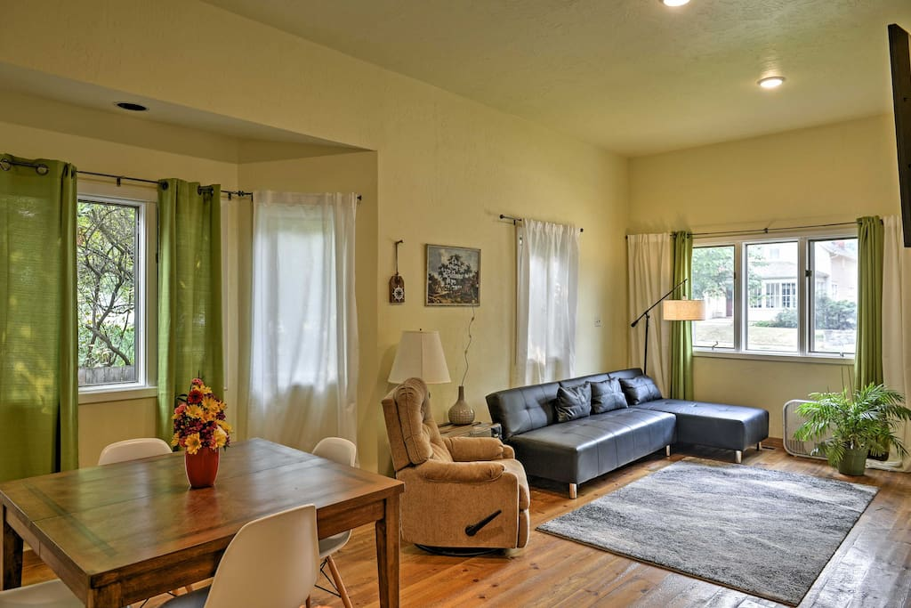 Situated in Flathead Valley, this home makes it easy to spend your days exploring the local national parks and the charming downtown streets.