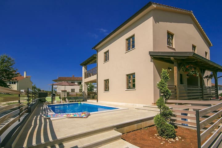 Villa Kate with swimming pool - Pazin - Villa