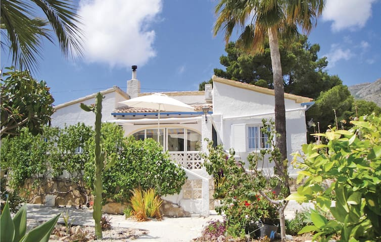 Holiday cottage with 2 bedrooms on 65 m² in Altea la Vella