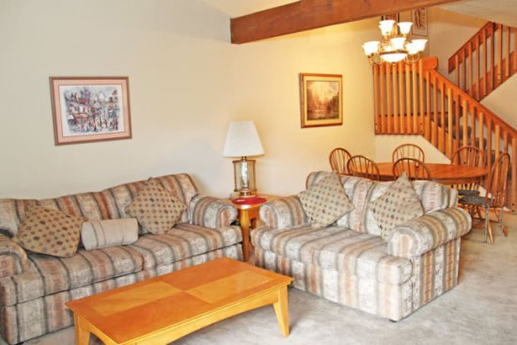 Mammoth Rental Snowcreek 628 - Cozy Living Room and Dining Area