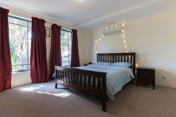 Ellenbrook, Swan Valley Retreat - Ellenbrook