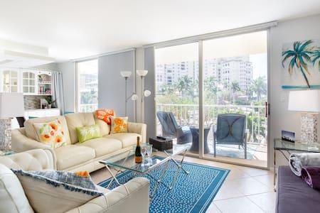 6* Romantic Luxury quaint & cosy + Beach Access