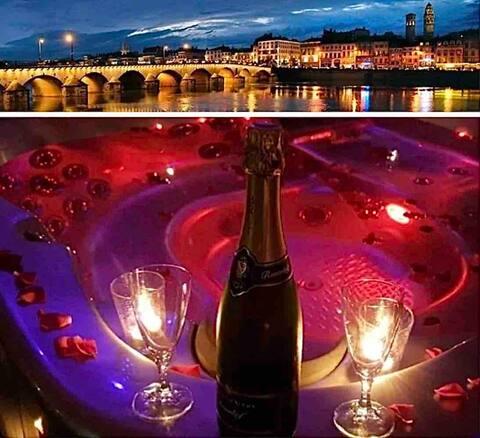 Nuit romantique spa/rose/bouteille offerte à MÂCON