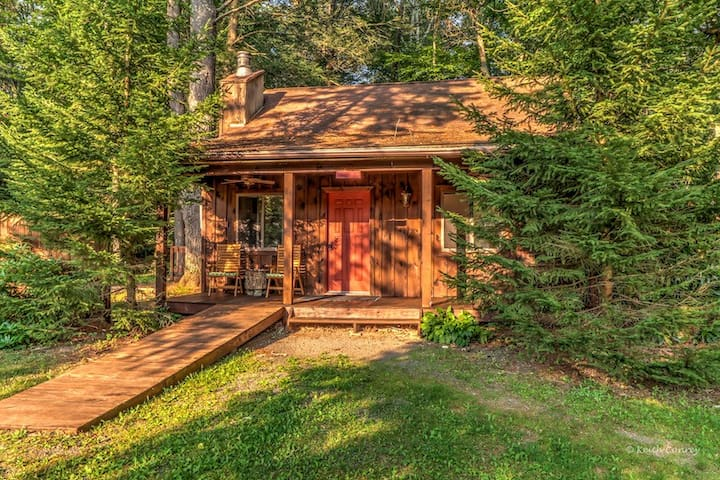 Love Shack Cottage at Magnolia Streamside Resort