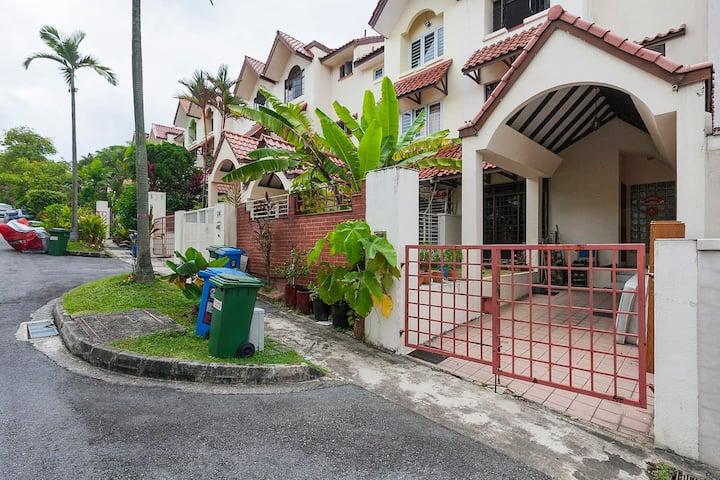 Masteroom (bath) @ Terrace House @ Thomson Village