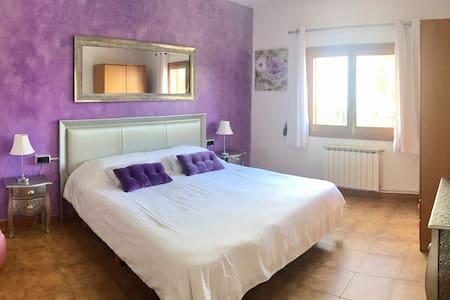 Room close to beautiful beaches - Sant Carles de Peralta