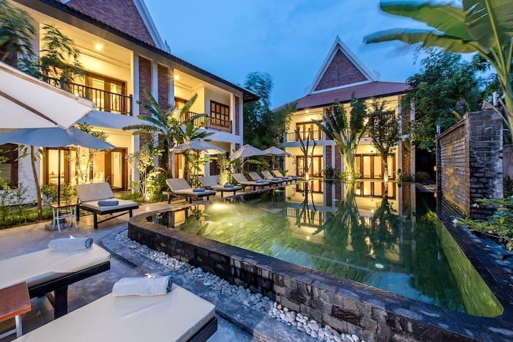 Luxury Hotel: Charming Angkor Resort & Spa