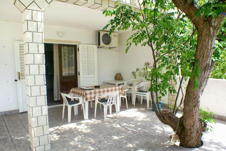 Appartement d'une chambre avec la terrasse et la vue sur le mer Metajna, Pag (A-4116-a)