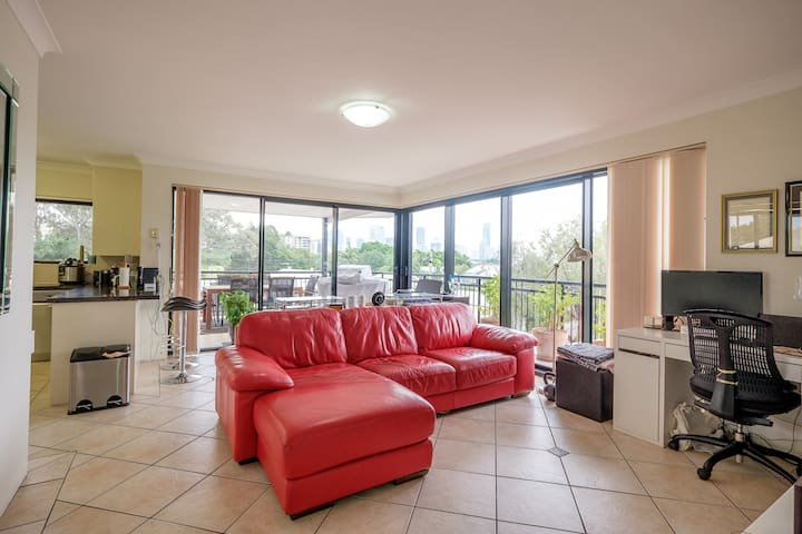 Premium 2 bed apartment w stunning city views - East Brisbane - Apartemen