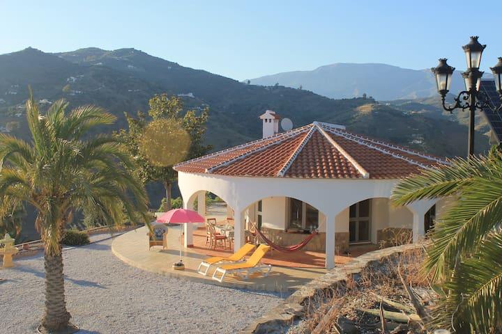 Luxus Villa mit Meerblick & Pool - Algarrobo