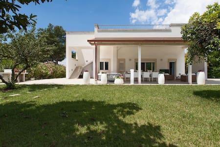 483 Modern Villa with Pool near Lecce - Monteroni di Lecce