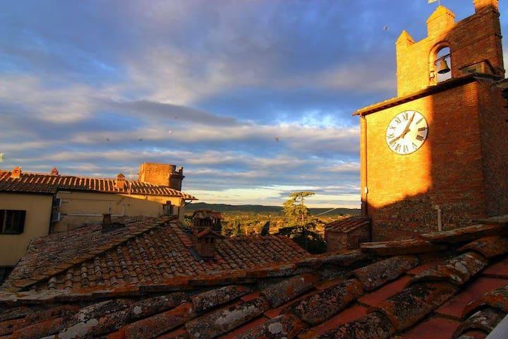 Bellissima dimora toscana con terrazza panoramica - Marciano - Casa