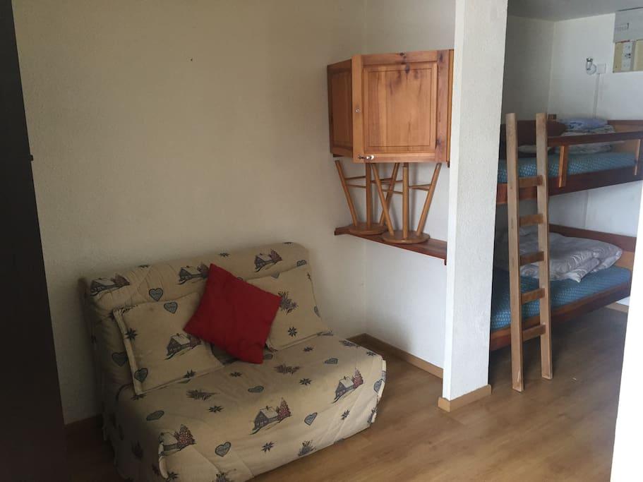 Canapé et lit superposé
