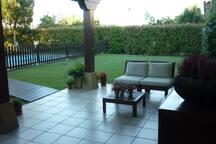 porche con muebles de relax