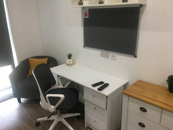 Modern Central Studio in Nottingham City Centre