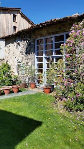 T2 charmant et atypique dans une ancienne étable - Saint-Bonnet-prés-Riom - Dom