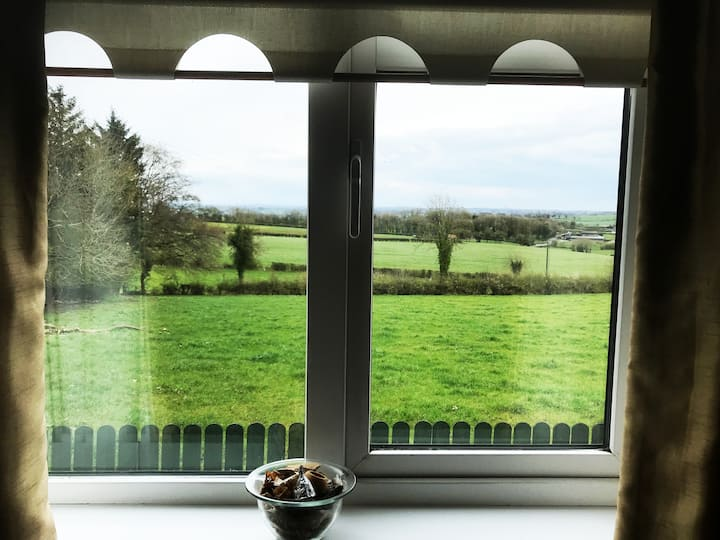 Mullaghmeen Country. Relaxing & Welcoming