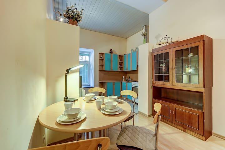 Longo Apartment Якубовича 8
