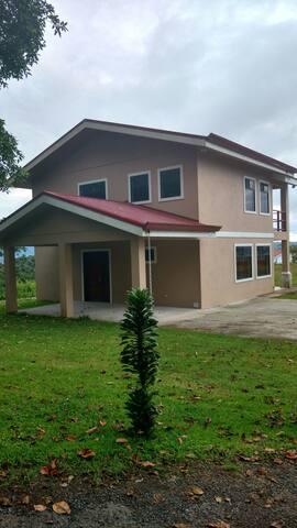 Casa de Madrugada - Nuevo Arenal - Rumah