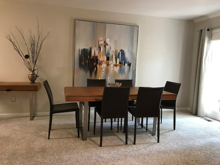 Lovely Lafayette 2-BR condo