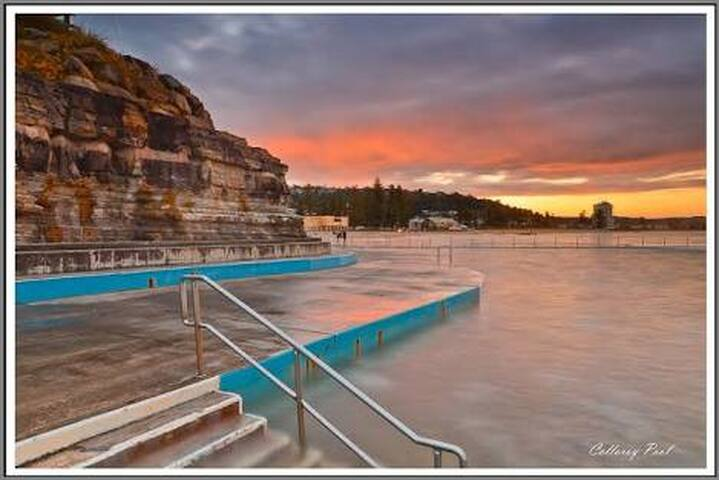 Footsteps to the beach, ocean pool & scenic walks! - Collaroy - Apartamento