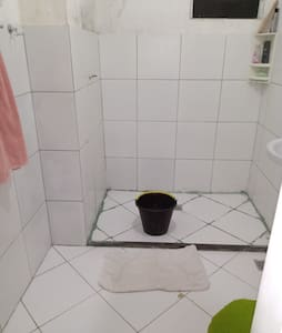 Alugo apartamento simples mas bem aconchegante