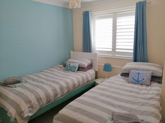 Single bedroom: 2 beds setup option