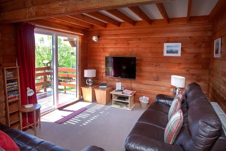 22 - Milvus Lodge, Barend Holiday Lodges, with free swimming, sauna & golf.