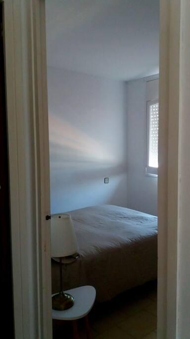 habitación cama doble súper confortable, silenciosa i agradable.
