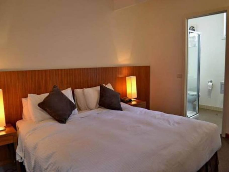 Main Bedroom, King bed with Ensuite
