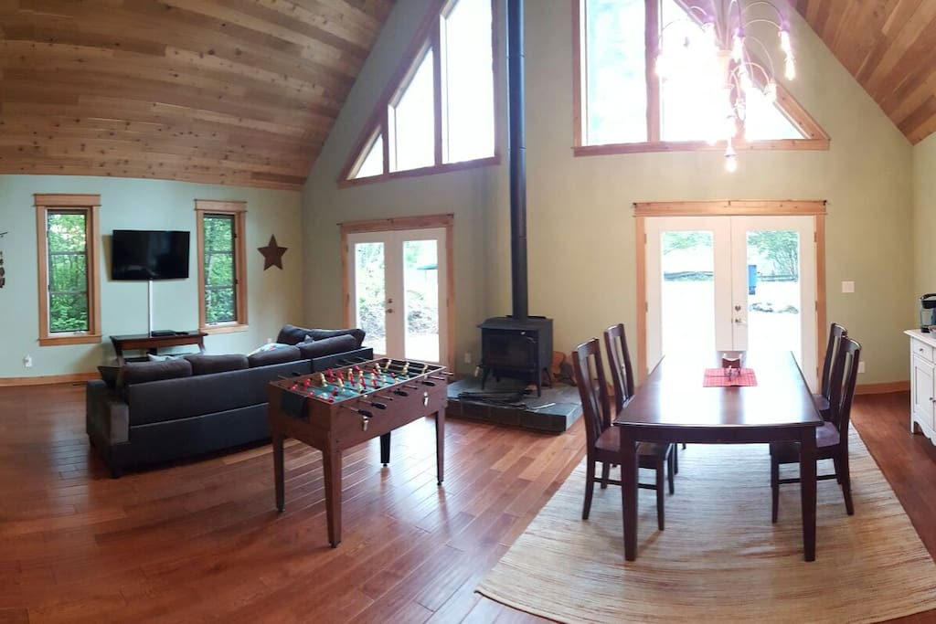 Living Room and Dinning area looking toward the front of the lodge.