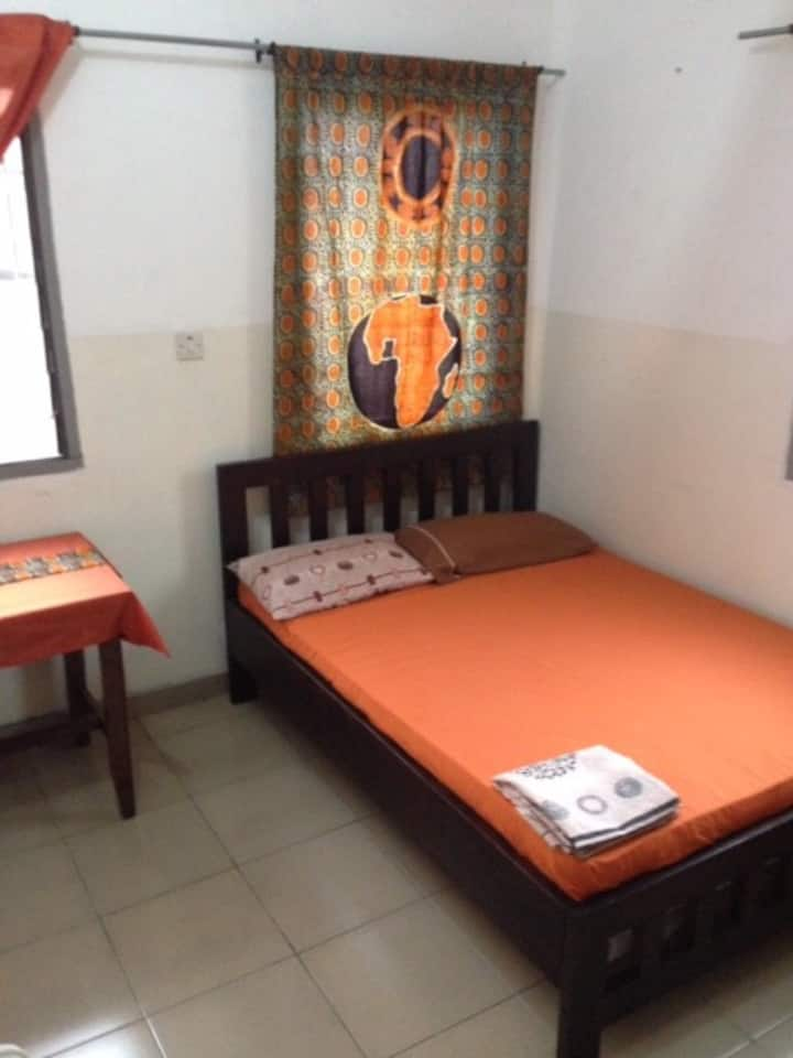 Student Room XL in the heart of Accra